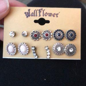 NWT Wallflower set of six earrings